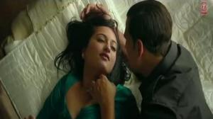 Once Upon A Time In Mumbaai Dobaara Theatrical Trailer 2 - Akshay Kumar, Imran Khan & Sonakshi Sinha