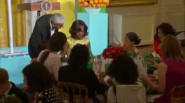 Michelle Obama Hosts Kids 'state Dinner'