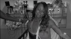Mariah Carey Rocks an Arm Sling