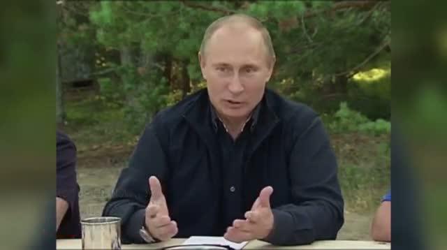 Putin: Snowden a Dubious Present