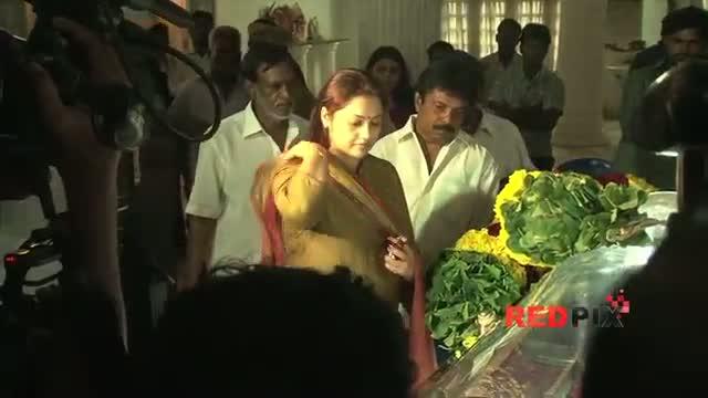 Actress Meena and Lakshmi pay Homage - Veteran actress Manjula Vijayakumar died today