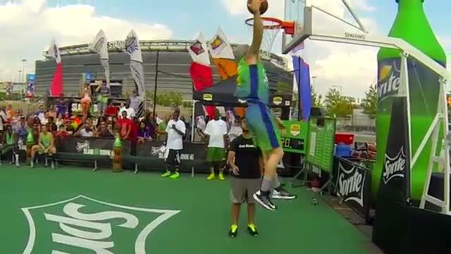 """Shane """"Slam"""" Wise, winner of the Sprite Slam Dunk Showdown in East Rutherford, NJ"""