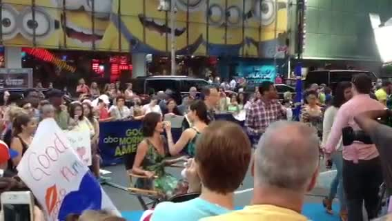 Spotting Teri Hatcher at Times Square in New York