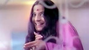 Dekho Mujhe Dekho - Classic Asha Bhosle Hit Song - Rajesh Khanna, Tanuja - Humshakal