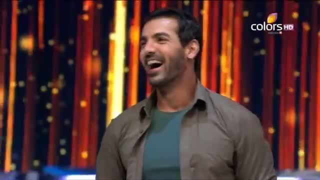 Jhalak Dikhhla Jaa - 4th August 2013 (Season 6) - Episode 20 - John Abraham and Karan Johar on the dance floor