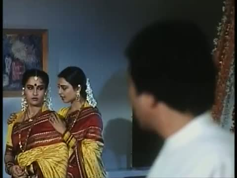 Aayee Pehle Milan Ki Woh Raat 2 - Classic Hindi Song - Rajesh Khanna, Rekha, Reena Roy - Asha Jyoti