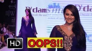 Sonakshi Sinha's OOPS moment on the STAGE