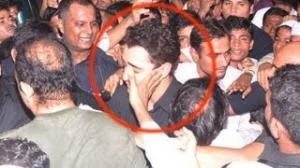 Imran Khan MOBBED in Dongri