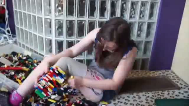 Missouri Woman Builds Lego Leg to Inspire Others