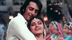 Pyaar Kise Kehte Hain - Superhit Bollywood Romantic Song - Sanjay Dutt, Jayapradha - Main Awara Hoon (1983)