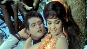 Resham Ki Dori Ho Kahaan Jaiho - Manoj Kumar, Asha Parekh - Sajan (1969)