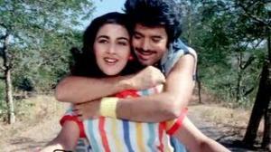 Jab Jab Kisi Ladake Ko - Hindi Romantic Song - Kala Dhanda Gorey Log (1986) - Amrita Singh, Akbar Khan