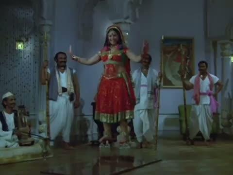 Mere Noor Ke Charche - Hatyara (1977) - Bollywood Mujra Song - Pran (Old is Gold)