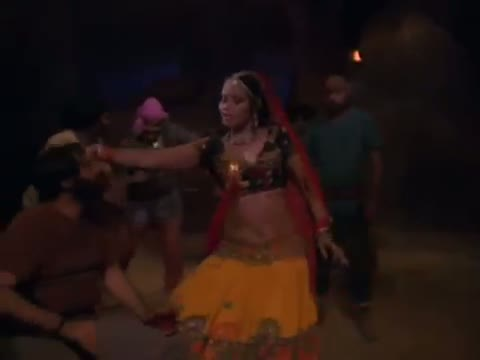 Paan Khaye Saiyan Hamaro - Asha Bhosle Hit Song - Hatyara (1977) - Vinod Khanna (Old is Gold)