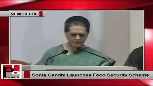 Food Security scheme launch: Sonia Gandhi recalls Rajiv Gandhi's contributions