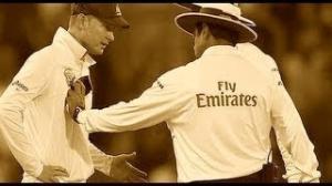 Clarke fights with umpire Aleem Dar