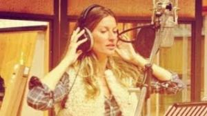 Gisele Bundchen Sings in New Ad