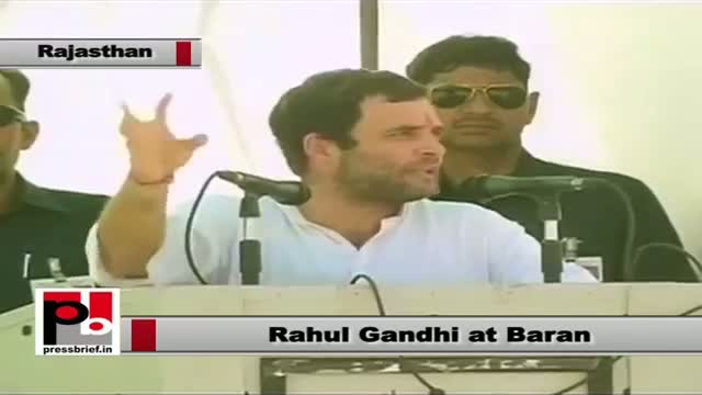 Rahul Gandhi in Baran (Rajasthan): Congress fulfils its promises given to the poor