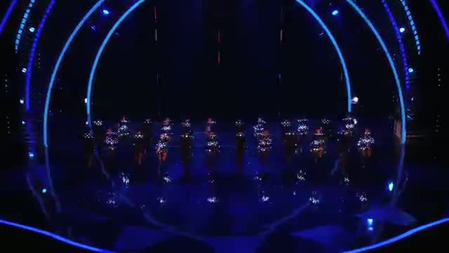 """The Rockettes Perform a New Routine From """"Heart & Lights"""" - America's Got Talent 2013 Finale"""