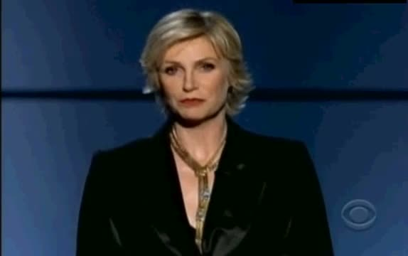 Jane Lynch pays tribute to Cory Monteith Emmy Awards 2013 09/22/2013