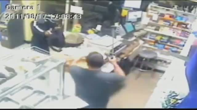 Man Thwarts Would-be Robbery With Machete