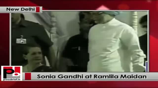 Sonia Gandhi takes part in the Dussehra celebrations at Ramlila Maidan, New Delhi