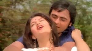 Dost Banke Aaye Ho - Hit Classic Romantic Song - Bin Phere Hum Tere - Vinod Mehra, Sarika (Old is Gold)