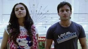 Saif's first encounter with Deepika - Love Aaj Kal