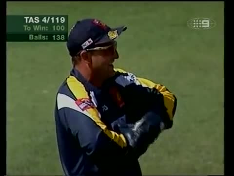 Shane Watson faces Shane Warne- wannabe vs worlds best, drag queen vs destroyer