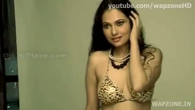 Indian bikini Model Show Her $exy Body HOt Indian bikini Model Show Her $exy Body HOt