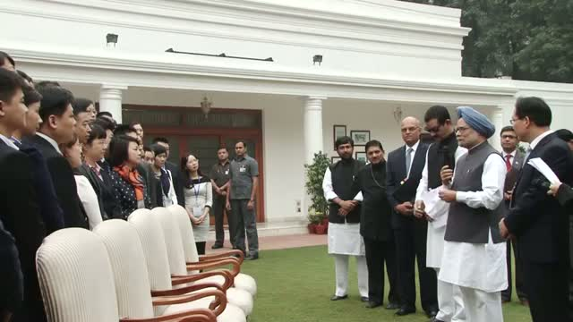 PM meets Chinese Youth Delegation
