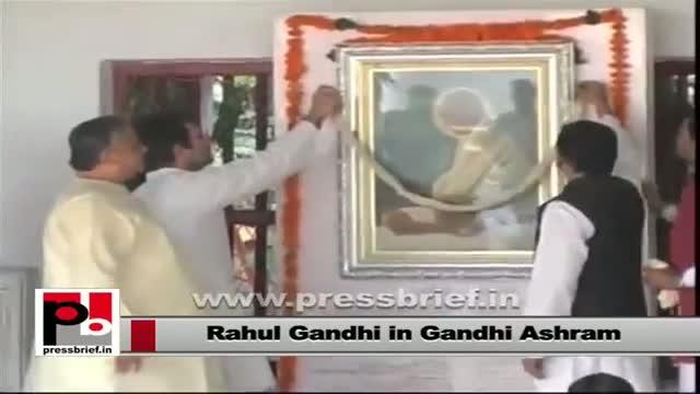 """Rahul Gandhi visits """"Gandhi Ashram"""" in Gujarat"""
