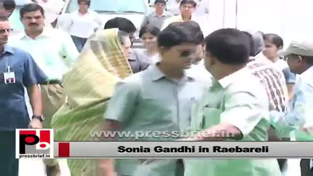 Sonia Gandhi receives a warm welcome in Raebareli