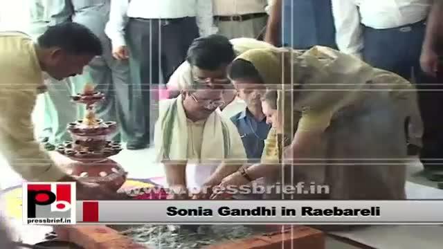 Sonia Gandhi performing Puja in Raebareli