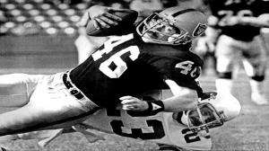 Todd Christensen dies at 57; record-setting NFL tight end