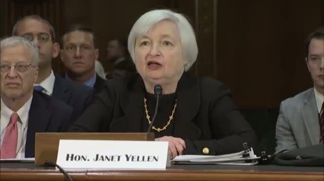 Yellen Stands by Fed. Low Interest Rate Policies