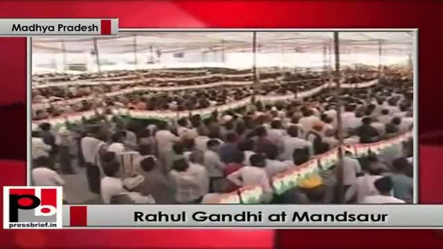 Rahul Gandhi addresses Congress election rally at Mandsaur (Madhya Pradesh)