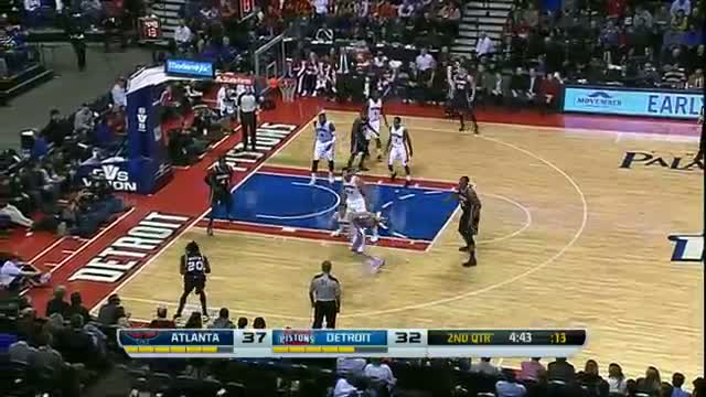 NBA: Al Horford Drives the Hawks Past the Pistons