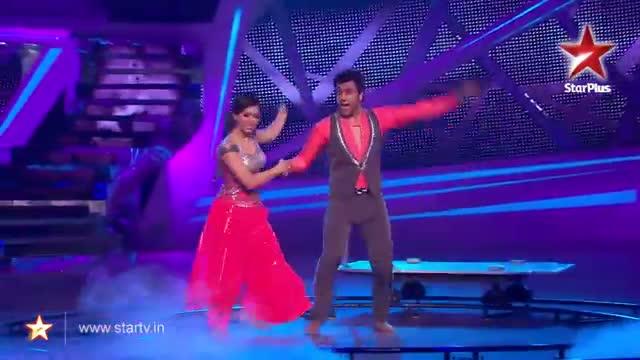 Nach Baliye 6 : Ripu and Shivangi's wonderful dance performance - 23 November 2013