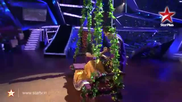 Nach Baliye 6 : Lata and Sanjeev's romantic act - 24 November 2013