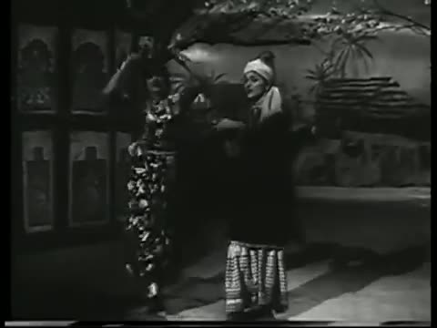 Sun Sun Madras Ki Chhori - Superhit Hindi Song - Mujrim - Asha Bhosle, Geeta Dutt (Old is Gold)
