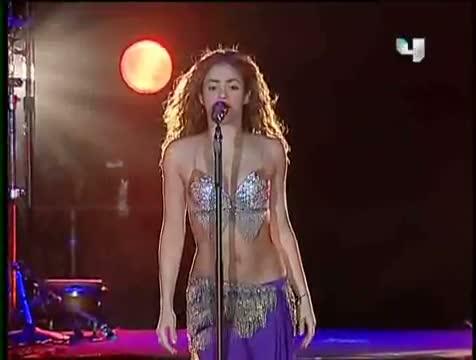 Shakira - Ojos Asi / Live in Dubai
