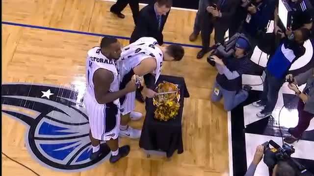 NBA: Glen Davis: Magic Turkey Carver