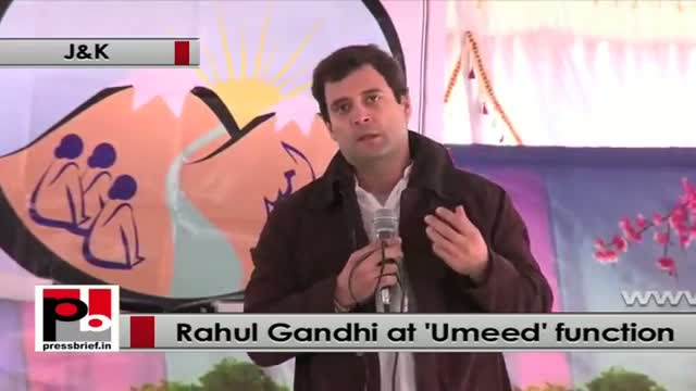 Rahul Gandhi at UMEED function in J&K explains benefits of SHG for women