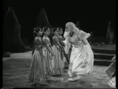 Chanda Mama Mere Dwaar - Superhit Classic Bollywood Song - Lajwanti (1958) - Nargis Dutt & Balraj Sahni