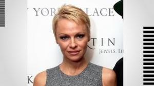 Pamela Anderson Flaunts Dark New 'Do