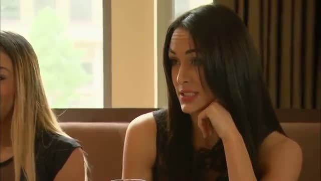The Bella Twins get into a heated argument: Total Divas, December 8, 2013