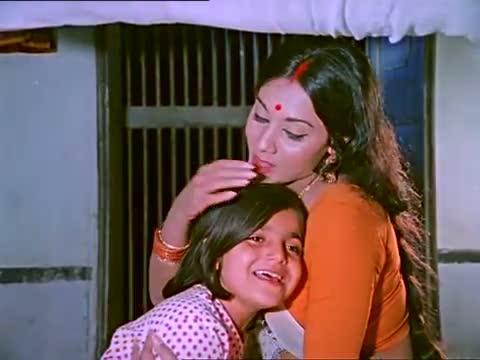 Dheere Dheere Haule Se Nindiya Rani Bole Re - Superhit Asha Bhosle Song - Classic Lullaby - Minoo (1977)