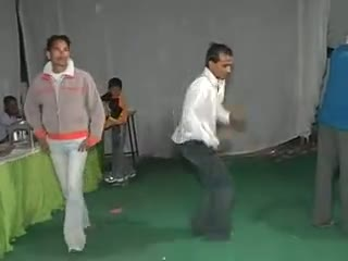 Indian Guy Funny Dance On DJ In Wedding Ceremony - Funny Break Dance Ever - Never Seen Before