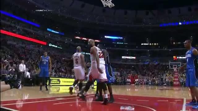 NBA: Taj Gibson POSTERIZES Nikola Vucevic